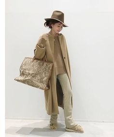 BUYER.Yの《予約》Lisiere N/C Coat コーディネートスナップ|L'Appartement(アパルトモン)- BAYCREW'S STORE Sport Chic, Hijab Fashion, J Crew, Duster Coat, Khaki Pants, Normcore, Clothes For Women, Womens Fashion, Jackets