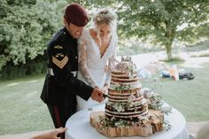 Festival Themed Shabby Chic Wedding with Hay Bales: Kate & Ben Hay Bales, Chic Wedding, Wedding Planner, Shabby Chic, Table Decorations, Wedding Planer, Wedding Planners, Dinner Table Decorations, Kleding
