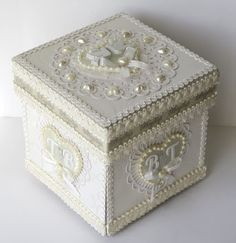 Unnis Paper Craft: The second explosion box Make sure to translate instructions into English Memories Box, Wedding Boxes, Wedding Cards, Organizer Box, Exploding Box Card, Pot A Crayon, Engagement Cards, Magic Box, Pretty Box