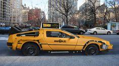 へいタクシー、ちょっと未来まで。デロリアンスタイルなイエローキャブ