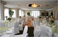 Wedding Venues, looking for the perfect destination for your wedding? Be inspired and plan an accessible and elegant destination wedding with Ontario's Finest Hotels, Inns & Spas. Invitation Fonts, Wedding Invitations, Wedding Venues Ontario, Hotel Inn, Handmade Wedding Gifts, Fine Hotels, Wedding Flowers, Wedding Dresses, Elegant Wedding
