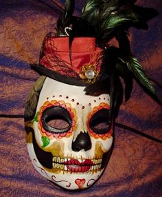 Day of the Dead .Venetian masks back in the day on Torres dale Ave. With hat Day Of The Dead Mask, Day Of The Dead Party, Face Off Makeup, Mexican Holiday, Cool Masks, Mexican Skulls, Steampunk, Carnival Masks, Maquillage Halloween