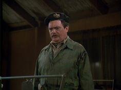 Major Ross (Bernard Fox) consults his men in Post-Op at the M*A*S*H Bernard Fox, Baseball Cards, Men