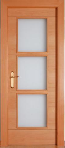 Puerta de madera con cristales para interior maciza modelo for Ver modelos de puertas de madera