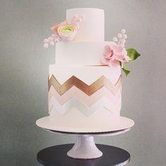 . Chevron Cakes, Wedding Cake Inspiration, Fondant Cakes, Beautiful Cakes, Pink And Gold, Wedding Cakes, Pasta, Desserts, Wedding Gown Cakes