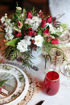 Christmas wedding table setting inspiration - mix heirloom china with modern glassware and textiles.