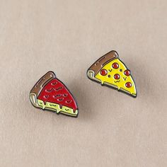 #Repost @reppinpins Deep dish or thin crust? Both available now on ReppinPins.com #repwhatyoulove . . . #lapelpins #pins #pingame #pincommunity #PinsofIG #enamelpins #pinhead #pinstagram #pinoftheday #hatpins #patches #patchgame #pinblast #chicago #art #design #illustration #pizza #deepdish #thincrust (Posted by https://bbllowwnn.com/) Tap the photo for purchase info. Follow @bbllowwnn on Instagram for great pins patches and more!