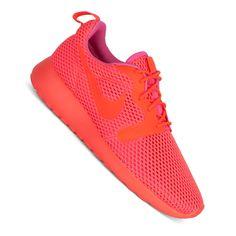 Nike Roshe OneHyperfuse BreathSneaker in total crimson - atmungsaktiver Sneaker für Damen  Der Nike RosheOne Hyper Breathist der perfekte Sneaker für die warmen Tage. Ausgestattet wurde er mit einem...