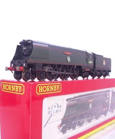 #HORNBY OO R2316 - BR GREEN BATTLE OF BRITAIN PACIFIC #LOCOMOTIVE  73 SQUADRON