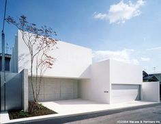 Akira Sakamoto Architect & Associates Architecture Durable, Minimal Architecture, Residential Architecture, Interior Architecture, Arch House, Facade House, Architecture Du Japon, Modern Pools, White Houses