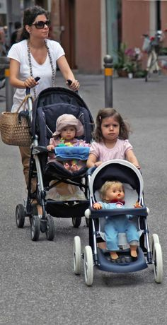 Children learn by role models. Kids Learning, Role Models, Cute Kids, Baby Strollers, Marketing, Patterns, Children, Templates, Baby Prams