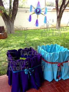 Caja para regalos y piñata de la princesa Jazmin.