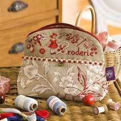 Embroidery motif to cross stitch