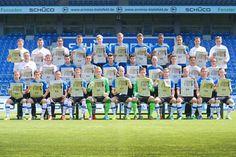 Das ist die Mannschaft der Drittligasaison 2014/15 : Bitte lächeln: DSC stellt sich fürs Foto auf