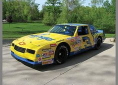 1986 Wrangler Jeans Chevrolet Monte Carlo Aerocoupe built by Richard Childress Racing and driven by Dale Earnhardt Nascar Autos, Nascar Cars, Nascar Racing, Drag Racing, The Intimidator, Classic Race Cars, Chevrolet Monte Carlo, Muscle, Dale Earnhardt Jr