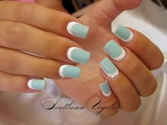 Love the matte color? Be pretty in matte blue colors this summer. This simple nail art design looks absolutely pretty and neat with the light shades that can easily blend in the summer season.