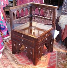 Pleasant Syrian Middle-eastern inlaid chair with mother-of-pearl from Damascus Syria