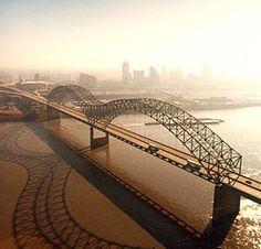 Hernando de Soto Bridge (also known as Memphis Bridge), between West Memphis, Arkansas and Memphis, Tennessee.