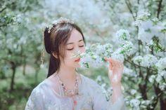 Asian Flowers, Hanfu, Abs, Hoop Earrings, Cosplay, Beauty, Jewelry, Fashion, Moda