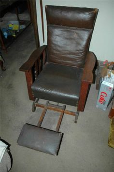 Arts Oak Push Button Morris Original Royal Chair Co Black