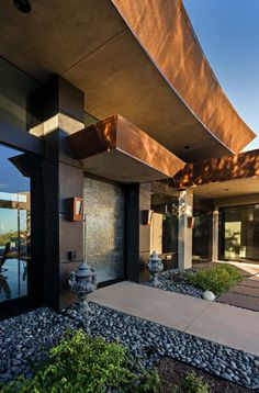 This contemporary desert dream home was designed by Tate Studio Architects, along with Full Circle Custom Homes, located in Scottsdale, Arizona. Teal Master Bedroom, Desert Homes, Living Room Green, Scandinavian Bedroom, Cabin Interiors, Indoor Outdoor Living, Bedroom Vintage, Custom Homes, House Tours