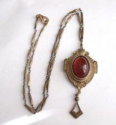 VINTAGE ART DECO REVIVIAL GOLD TONE BRASS GRIPOIX ART GLASS RED PENDANT NECKLACE