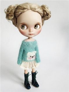Ooak Dolls, Blythe Dolls, Beautiful Dolls, Beautiful Outfits, Vampire Girls, Creepy Dolls, Doll Repaint, Custom Dolls, Big Eyes