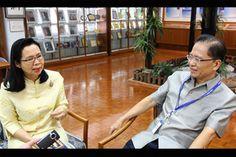 วันพุธที่ ๒๐ มิถุนายน ๒๕๕๕ ได้รับเกียรติจาก ผศ.ดร. บัวรอง ลิ่วเฉลิมวงศ์ และ คุณพิสิฐ กุศลาไสยานนท์ นายกสมาคมศิษย์เก่า คณะวิทยาศาสตร์ มหาวิทยาลัยมหิดล ให้สัมภาษณ์เรื่องราวความทรงจำถึง ศ.ดร.ประสพ รัตนากร ปูชนียบุคคลของประเทศที่มีคุณูปการต่อคณะวิทยาศาสตร์มาตั้งแต่เมื่อครั้งเริ่มการก่อตั้ง