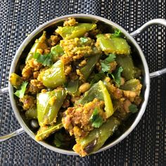 Mirch ki sabji is a dry curry that is made with mildly-spiced chilli that can be served with either roti or rice. This is a very simple dish that is ready in less than 15 minutes using chickpea flour (besan), peanuts and a handful of spices along with chillies. Depending on your preference, you may … Curry Side Dishes, Peanut Powder, Green Chilli, Roasted Peanuts, Spice Mixes, Garam Masala, Spices, Dinner, Cooking