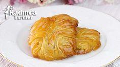 Büzgülü Gül Baklava Tarifi Cabbage, Vegetables, Food, Essen, Cabbages, Vegetable Recipes, Meals, Yemek, Brussels Sprouts