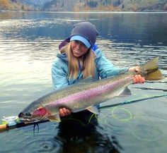 Freshwater fishing can be a great experience. Find out more about freshwater fishing including useful tips and how to stay safe when you are on the water. Fly Fishing Girls, Fly Fishing Gear, Gone Fishing, Fishing Bait, Best Fishing, Saltwater Fishing, Fishing Knots, Fishing Stuff, Carp Fishing