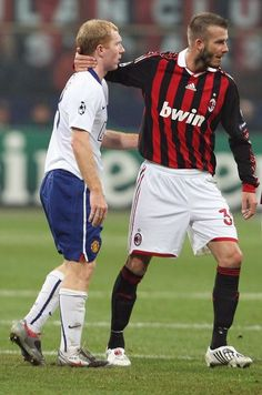 Paul Scholes & David Beckham, AC Milan vs Manchester United, 2009-10 Champions League season. Sorry Becks, United were better than Milan.