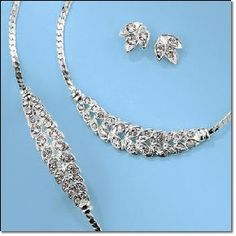 Sparkling Leaves Necklace, Earrings and Bracelet Gift Set - Avon