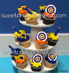 Best Picture For Nerf Gun Cake ideas For Your Taste You are looking for something, and it is going t Nerf Party Food, Nerf Birthday Party, Birthday Desserts, Boy Birthday, Birthday Ideas, Fondant Cupcake Toppers, Cupcake Cakes, Cupcake Party, Party Cakes