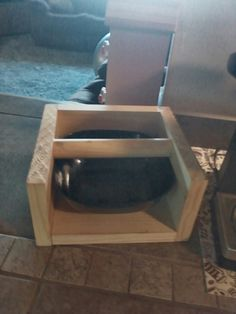 Homemade knock box with dollar store bowl and some wood Coffee Knock Box, Coffee Love, Diy Furniture Projects, Woodworking Projects, Coffee Equipment, Coffee Carts, Diy Box, Barista, Knock Knock