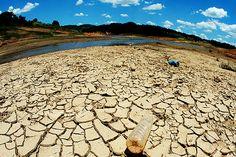 Água só dois dias na semana é uma possibilidade - http://metropolitanafm.uol.com.br/novidades/life-style/agua-dois-dias-na-semana-e-uma-possibilidade