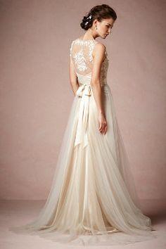 ahhh quiero este vestido para mi boda imaginaria! jajaa