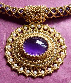 Beaded Pendant Necklace by Raphaële Beaded Brooch, Beaded Rings, Beaded Necklace, Beaded Bracelets, Necklaces, Pendant Necklace, Beaded Jewelry Designs, Seed Bead Jewelry, Handmade Jewelry