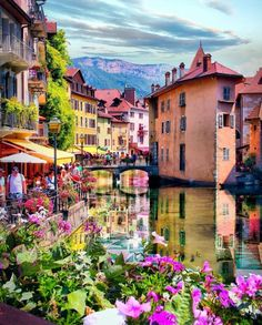 Annecy France Travel Destinations Bucket Lists, Best Vacation Destinations, Best Vacations, Annecy France, Hello France, Voyage Europe, Start Ups, France Photos, Just In Case