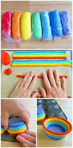 """#Cupcakes con #fondant que consiguen un maravilloso """"Cupcake de arco iris. By @tablespoon #Receta"""