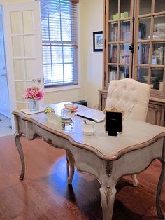 want a home office thats both beautiful and functional theres really no reason this room beautiful home office den