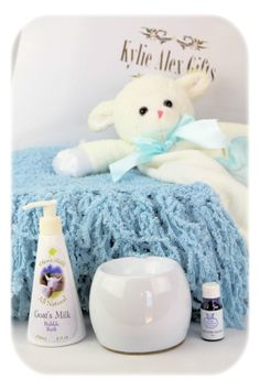 Lenny Lamb Ultimate is a very stylish gift plus more for our cozy, sleepy baby collection.  This gift features awesome personalized items.