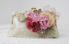 RUSTIC ELEGANT WEDDING / LACE WEDDING / ROMANTIC WEDDING / BRIDAL HANDBAG / FARMHOUSE WEDDING / GATSBY  Looking for a special bridal bag,