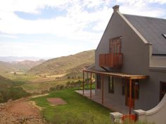 There is nothing like going on a weekend farm breakaway to recharge the batteries. Here are the 11 Top Farm Stays in the Western Cape. Farm Stay, Pilgrim, Cape Town, Westerns, Gazebo, 10 Top, Places To Go, Road Trip, Farmhouse