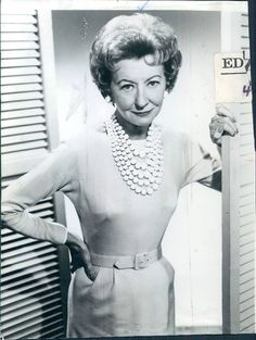 Remembering actress IRENE RYAN – who was born on October She was one of the few entertainers who found success in vaudeville, radio,. Irene Ryan, Buddy Ebsen, The Beverly Hillbillies, Comedy Series, Tv Series, Beloved Movie, Female Stars, Old Movies, Actors & Actresses