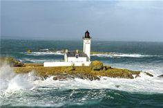 cette visite au pays des phares commence sur l'archipel des glénan avec le phare