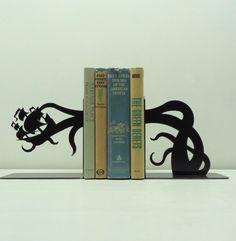 Sujeta libros. Diseño fenomenal. Me encanto.