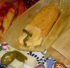 Green, mole or with slits, no capitalist refuses the flavor of traditional tamales. Tamales Gourmet, Pork Tamales, Tamale Recipe, Cheese Recipes, Jalapeno Cheese, Jalapeno Recipes, Mexican Food Recipes, Dinner Recipes, Breakfast