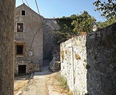 Plomin - Croatia Croatia, Mount Rushmore, Explore, Mountains, Places, Nature, Travel, Naturaleza, Viajes