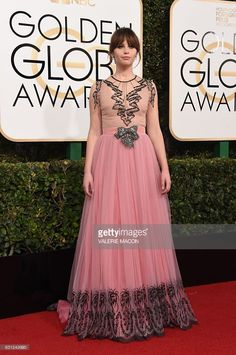 Felicity Jones arrives at the 74th annual Golden Globe Awards, January 8, 2017, at the Beverly Hilton Hotel in Beverly Hills, California.  / AFP / VALERIE MACON        (Photo credit should read VALERIE MACON/AFP/Getty Images)